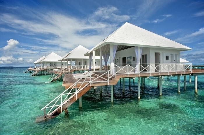 モルディブ 海のホテル