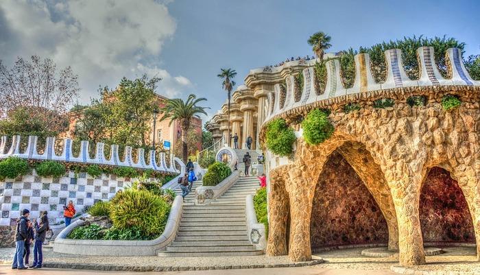 【スペイン】世界遺産や不思議建築など、唯一無二の絶景に酔いしれる観光名所7選