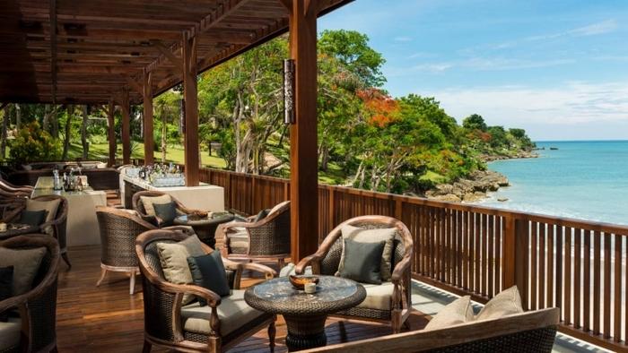 オシャレして出かけたい!バリ島の絶景ビーチサイドのレストラン5選