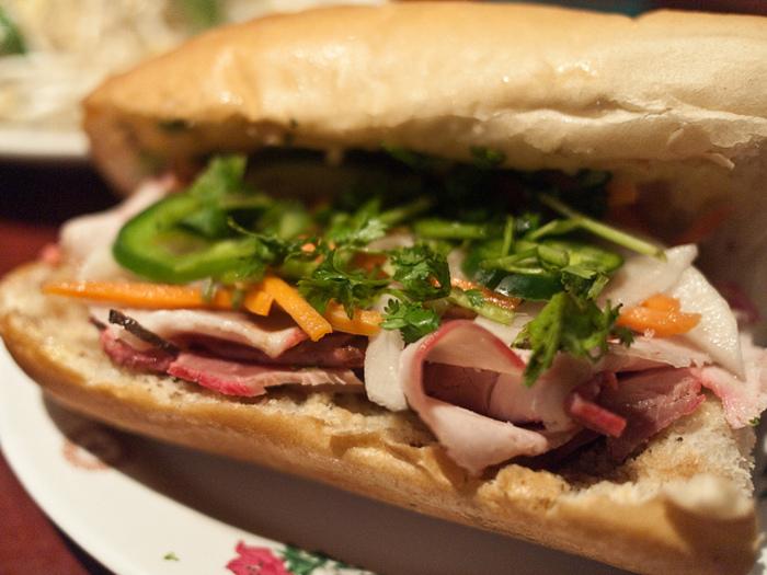 本場のサンドイッチを味わおう!ホーチミンのバインミーおすすめ3選
