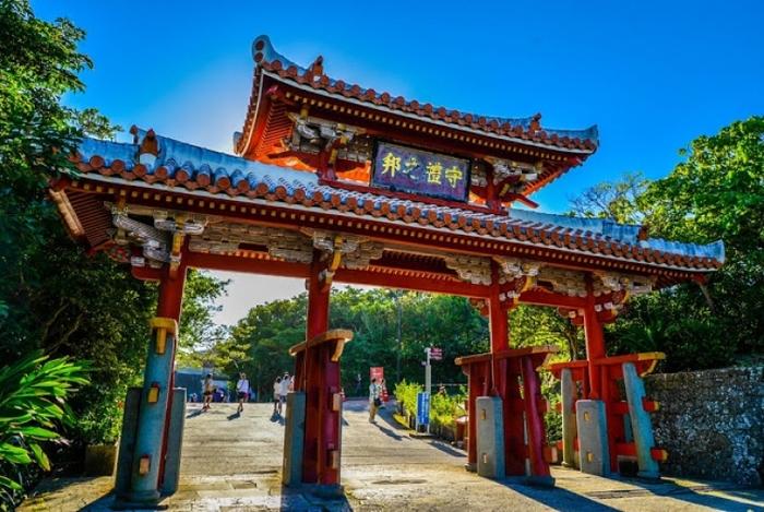 沖縄観光で行きたいおすすめの旅行ガイド