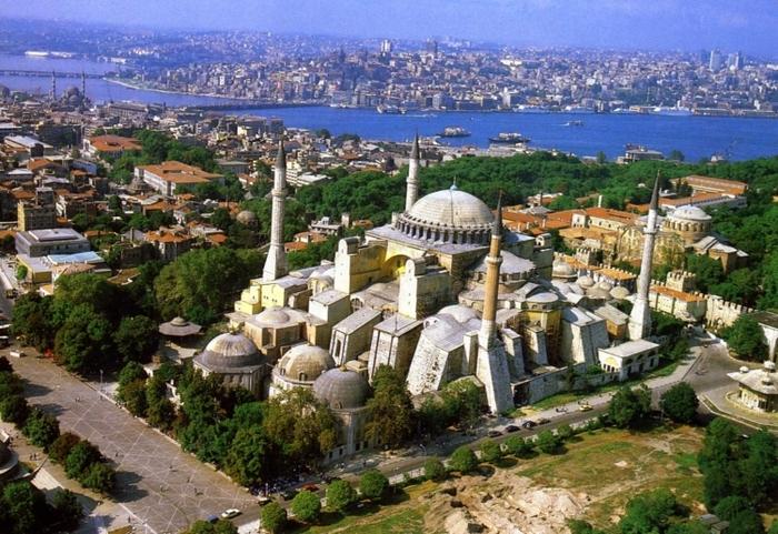 【トルコ】黄金のモザイクが語るイスタンブールの歴史秘話「アヤソフィア博物館」