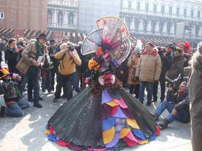 現地で変身。仮面舞踏会ヴェネチアカーニバルの楽しみ方と情報まとめ