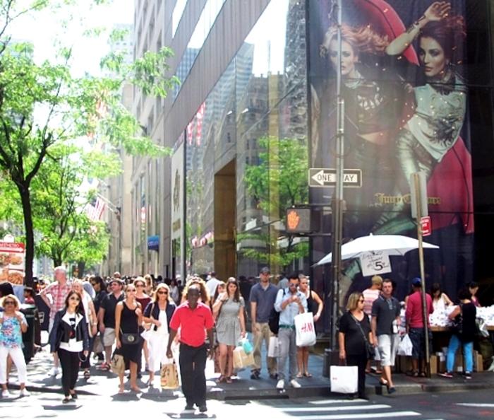 【ニューヨーク・ミッドタウン】買い物天国「5番街」でお得な買い物をするならここ!