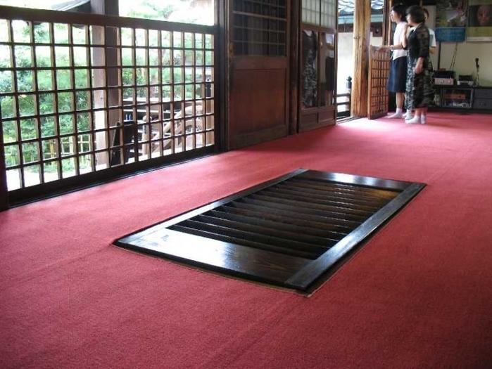 """階段が障子みたいな理由とは?金沢の""""忍者寺""""のカラクリに大人もワクワク!"""
