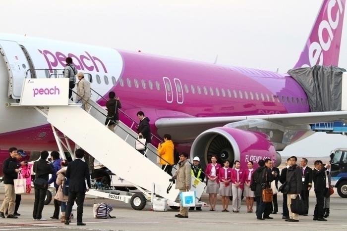 ピーチ航空(Peach)の就航路線(関空・福岡・沖縄・松山ほか)、手荷物情報、料金比較まとめ