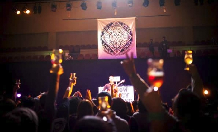 志賀高原スキー場でビールと音楽を満喫!「スノーモンキービアライブ」