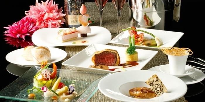 神戸でクリスマスディナーに迷ったらここ! 雰囲気抜群のレストラン20選