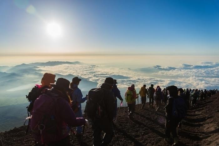 【山梨】一生に一度は登りたい富士山!登山の注意と楽しむポイントまとめ