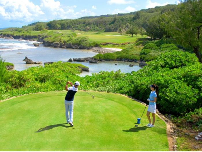 【グアム】南国気分を味わいゴルフを楽しめるツアー5選