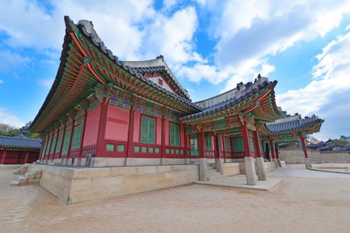 【ソウル】紅葉狩りの穴場スポット昌慶宮見どころガイド