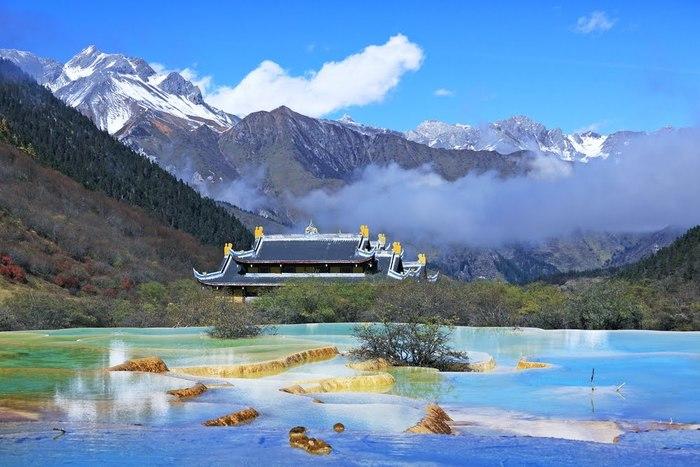 【中国】世界遺産「黄龍風景区」の観光ガイド:この世のものとは思えぬ美しすぎる峡谷