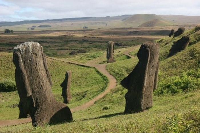 【チリ】イースター島でのモアイ観光徹底解説!見どころ、行き方、注意点まとめ