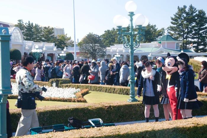 【東京ディズニーランド】ミッキーやドナルドと写真を撮りたい!どこで会える?
