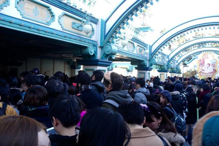 【東京ディズニーシー】トイ・ストーリー・マニア!の待ち時間や高得点のコツを解説