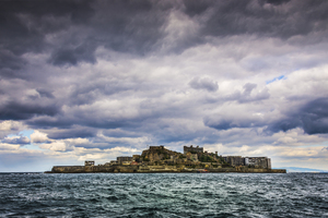 【長崎】世界遺産「軍艦島(端島)」の観光ガイド:上陸ツアー&クルーズも人気の無人島