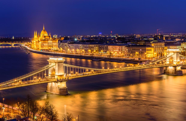 ハンガリー】ブタペストでおすすめ観光地13選!東ヨーロッパでは最も ...