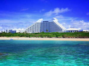 ANAインターコンチネンタル石垣リゾート:目の前にビーチが広がるリゾートホテル