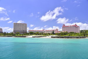 ホテルブリーズベイマリーナ:宮古ブルーに触れる宮古島のリゾートホテル