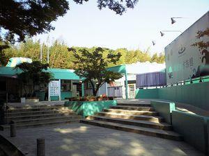 【香川】新屋島水族館:海の生物と間近で触れ合えるアットホームな水族館