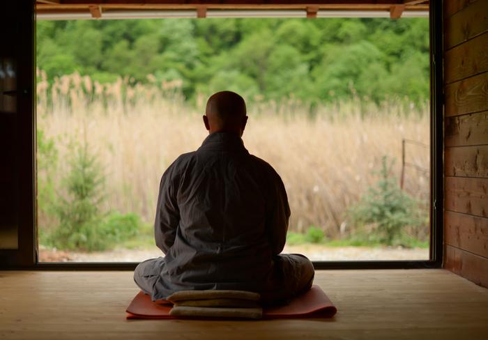 新しい自分が見つかるかも!?座禅体験ができる都内のお寺8選
