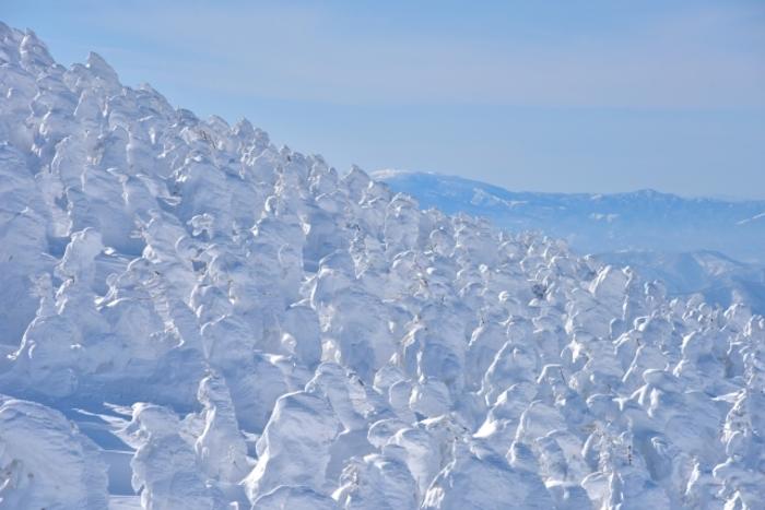 【山形】蔵王温泉スキー場で冬を満喫! 樹氷が輝くマウンテンリゾート