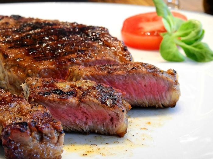 豪快に肉を食え!沖縄名物ステーキを味わえる那覇のおすすめ店10選