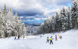 【長野】湯の丸スキー場は雪質良好のゲレンデが特徴! パウダースノーで爽快な滑りを楽しもう