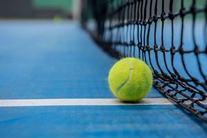 【東京】室内テニスコートまとめ:雨の日も暑い日も安心!