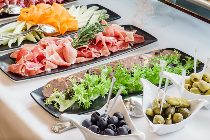 いろんなジャンルの料理を楽しむ品川の人気ランチビュッフェ