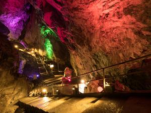 沖縄旅行で立ち寄ってみたいおすすめの鍾乳洞8選
