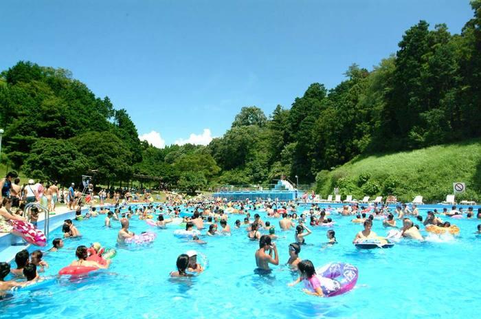 暑い夏到来!静岡のナイトプールで弾けちゃおう!