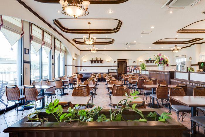 那覇ビーチサイドホテル:那覇空港より車で10分の好立地に建つオーシャンフロントホテル
