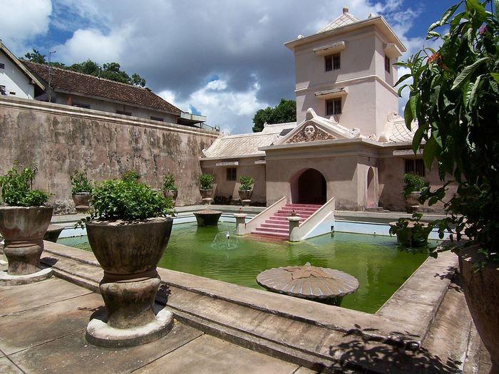 一生に一度は訪れたい古都ジョグジャカルタ周辺の壮大な遺跡群