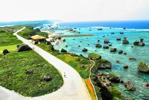 沖縄のラグジュアリーに滞在できる高級ホテル20選!記念日利用にもおすすめ