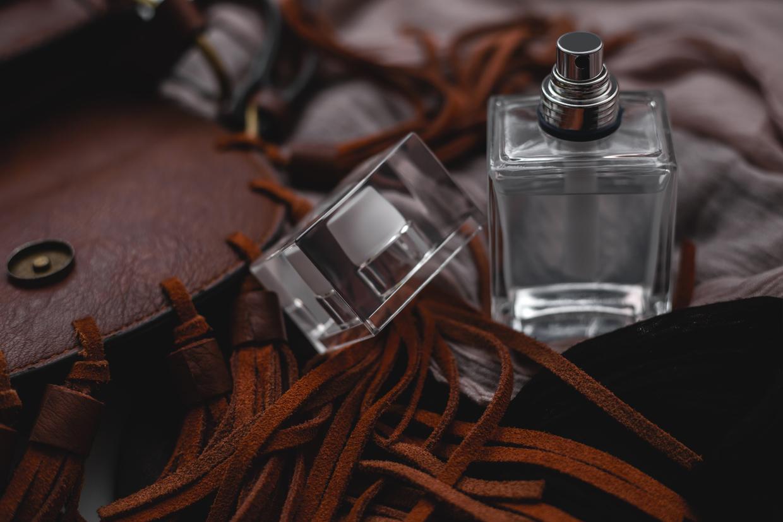 買う 香水 どこで