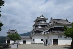 大洲城をめぐる旅♥旅好き女子必見の4層4階の木造復元天守