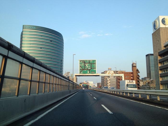 【東京】渋滞はむしろチャンス!? 首都高の車窓からのぞむ現代建築の名作14選