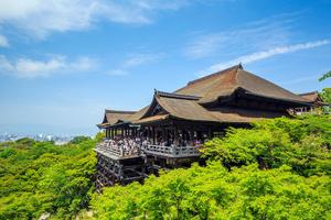 京都・清水寺の拝観時間は季節によって違う!春・夏・秋にはライトアップされた夜間特別拝観も