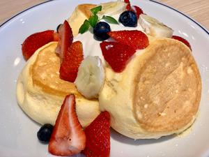とろふわ食感がたまらない♥札幌の超有名パンケーキ店「円山ぱんけーき」に注目!