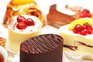 【滋賀】バームクーヘンで有名なクラブハリエ「守山玻璃絵館」の優雅で贅沢な食べ放題を紹介