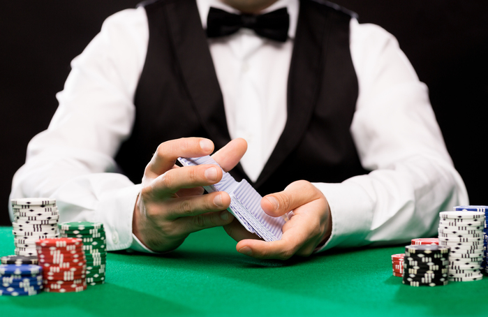 【カジノ】レッドドッグとは?初心者にも分かるルールと攻略法を紹介!
