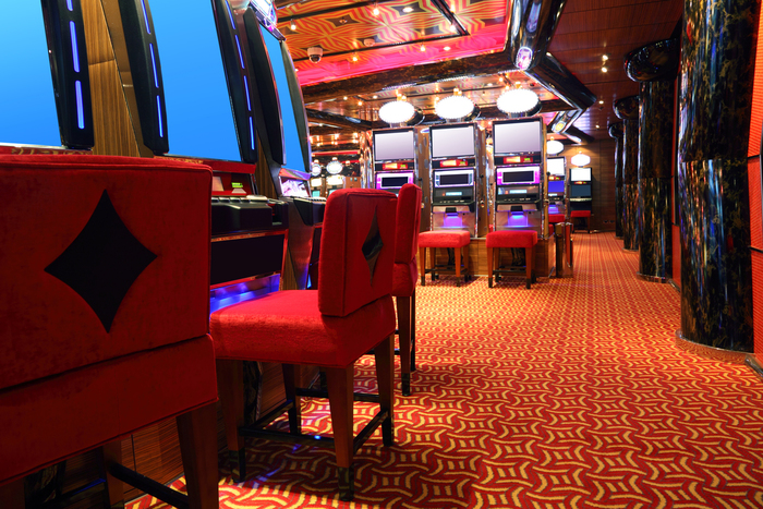 【カジノ】ビデオポーカーの遊び方:初心者にぴったりのゲームのルールと流れを解説!