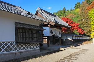和様建築の豪華壮大な造りの県重要文化財「会津武家屋敷」に行って会津若松の歴史にふれよう!