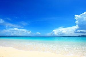 「はての浜」の楽しみ方!エメラルドグリーンの海でマリンスポーツを満喫