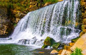 【沖縄】緑が豊富な比地大滝で森の中のキャンプを満喫!沖縄ツウが行く場所!
