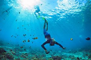 【沖縄】水納島(みんなしま)の「沖縄アイランドクルー」は海水浴やマリンスポーツが楽しめる!