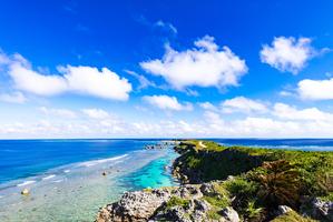 【沖縄】果報(かふう)バンタの見どころは?青い海が見下ろせる穴場の絶景スポット