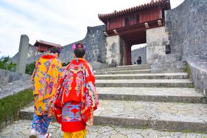 【沖縄】那覇市伝統工芸館で沖縄の伝統に触れよう!5つの伝統体験で沖縄マスター!!