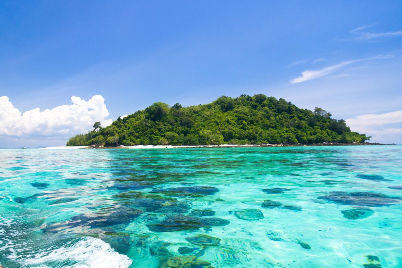 沖縄】久米島の隠れ家的ビーチといえばアーラ浜!泳ぐより見て楽しめる ...